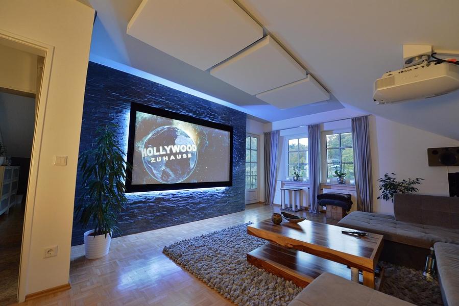 Elegant Komfort Heimkino Mit Dolby Atmos Als Wohnzimmer System